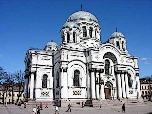 Byzantine-Architecture-St-Michael-Archangel-Church-Roman-Byzantine-style